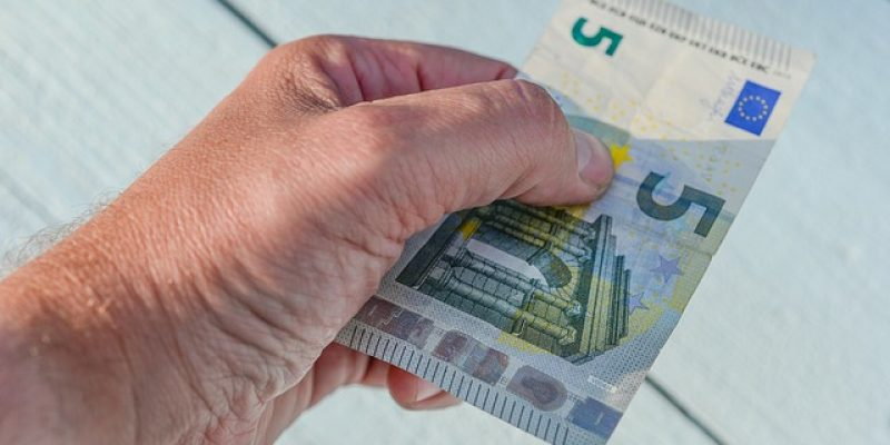 Tipping in Spain – When & Who To Tip in Spain